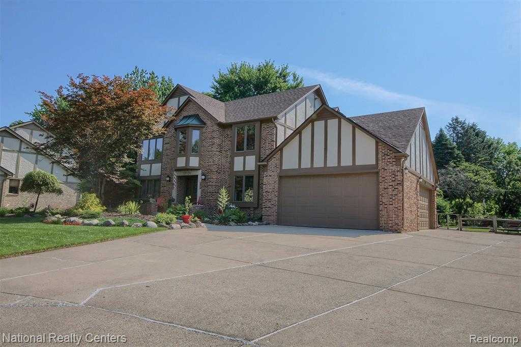 Search Properties - Cheryl Clossick — Real Estate One