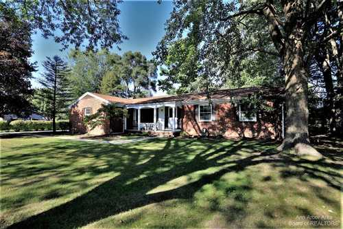 $325,000 - 3Br/3Ba -  for Sale in Tecumseh