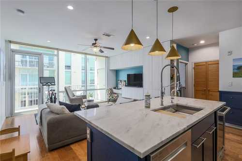 $699,000 - 2Br/2Ba -  for Sale in Bartonplace Condo, Austin