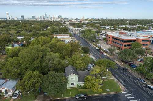 $1,000,000 - 2Br/1Ba -  for Sale in Hartwell Add, Austin