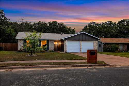 $499,000 - 3Br/2Ba -  for Sale in Woodstone Village Sec 01, Austin
