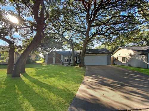 $620,000 - 3Br/2Ba -  for Sale in Texas Oaks, Austin