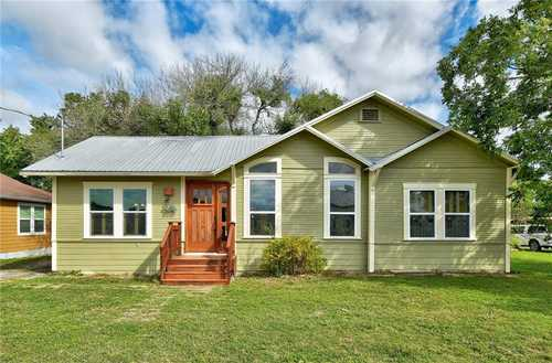 $349,000 - 2Br/1Ba -  for Sale in Original Town Of Kyle, Kyle