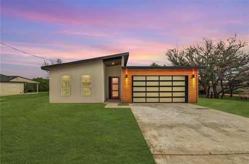 $529,000 - 3Br/2Ba -  for Sale in Country Club Estates Sec 09, Lago Vista