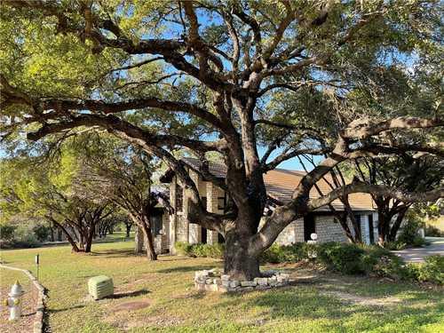 $649,500 - 3Br/2Ba -  for Sale in Lakeway Sec 26, Austin