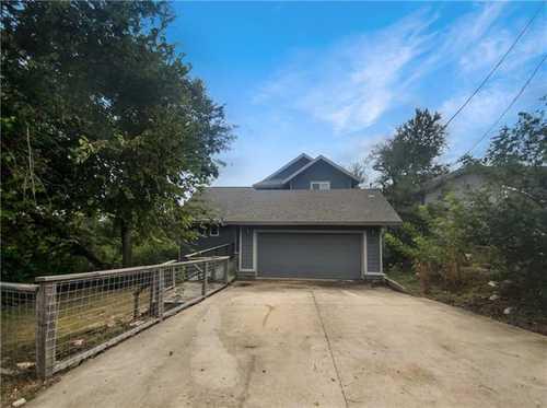$577,000 - 3Br/2Ba -  for Sale in Apache Shores Sec 03 Amd, Austin