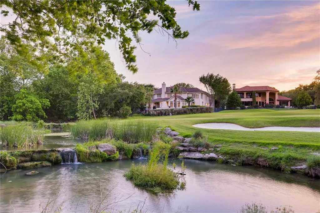 $900,000 - 5Br/6Ba -  for Sale in Hills Lakeway, Austin