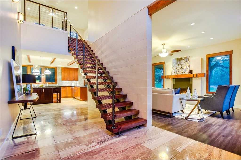 $1,250,000 - 4Br/5Ba -  for Sale in Briarpatch, Austin