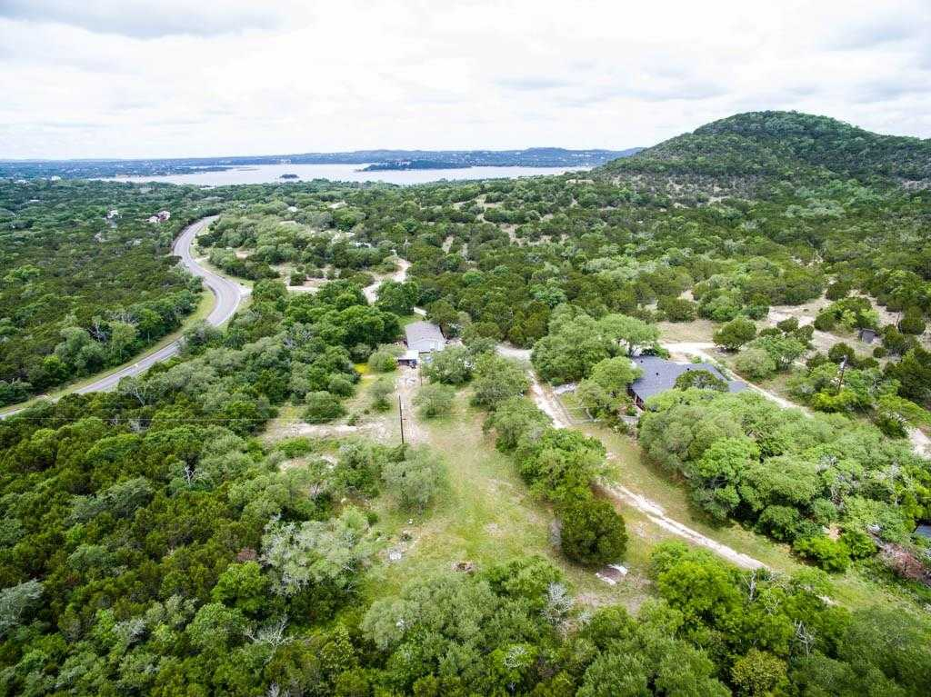 $1,350,000 - 4Br/2Ba -  for Sale in Lake Travis 05,