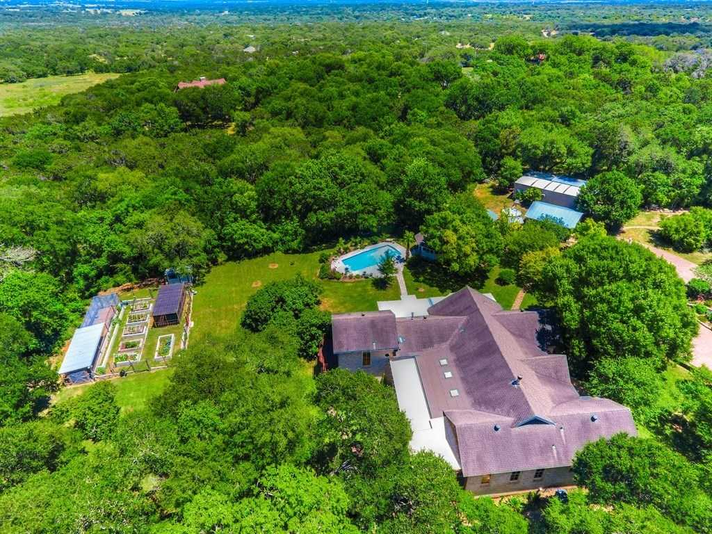 $1,475,000 - 6Br/5Ba -  for Sale in Hays Country Oaks Sec 1,