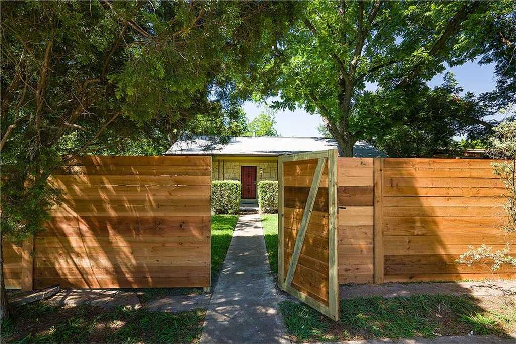 $519,900 - 3Br/2Ba -  for Sale in Delwood Sec 01, Austin
