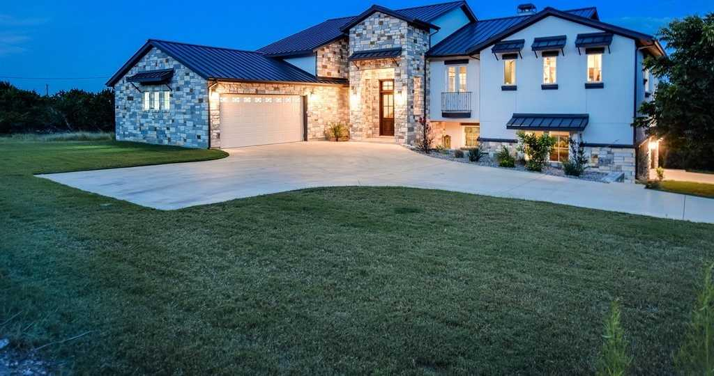 $939,000 - 4Br/4Ba -  for Sale in Majestic Hills Ranchettes, Austin