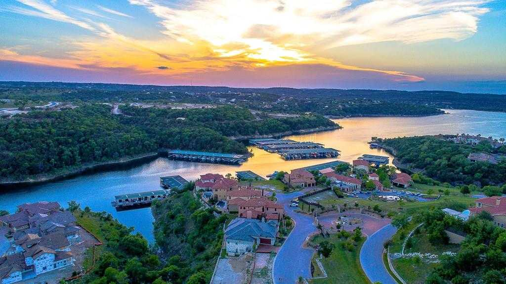 $788,500 - 4Br/4Ba -  for Sale in Rough Hollow, Lakeway