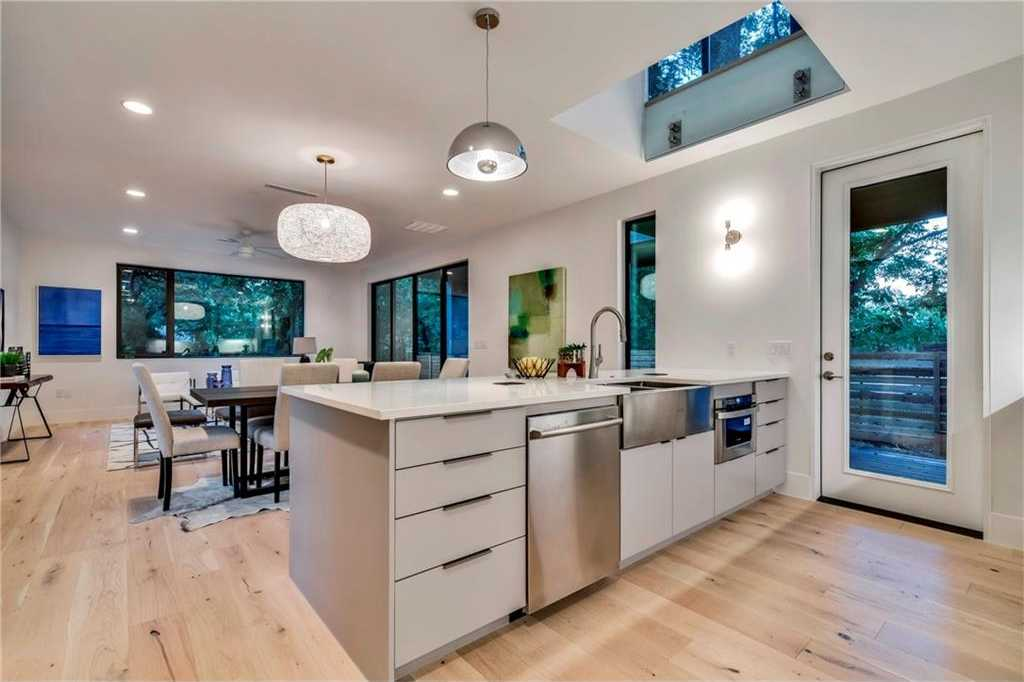 $749,000 - 3Br/3Ba -  for Sale in Struhall Lillian P, Austin