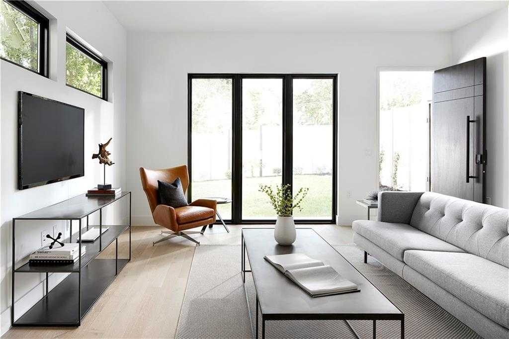 $1,050,000 - 3Br/4Ba -  for Sale in Travis Heights, Austin