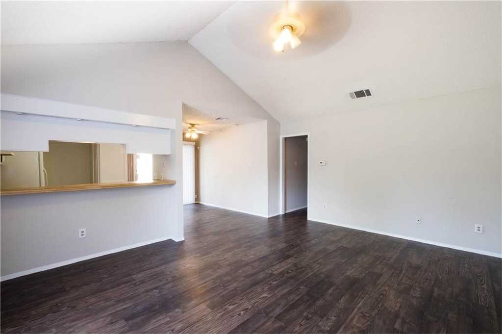 - 3Br/2Ba -  for Sale in Quail Creek Ph 02 Sec 02, Austin