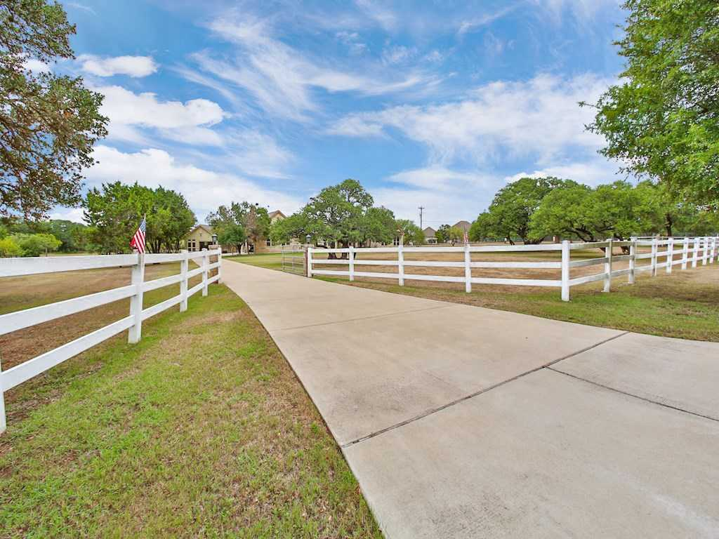 $689,950 - 4Br/3Ba -  for Sale in Elliott Ranch Ph One,