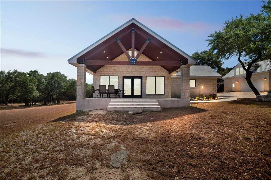 $1,150,000 - 2Br/2Ba -  for Sale in White Wings, Wimberley