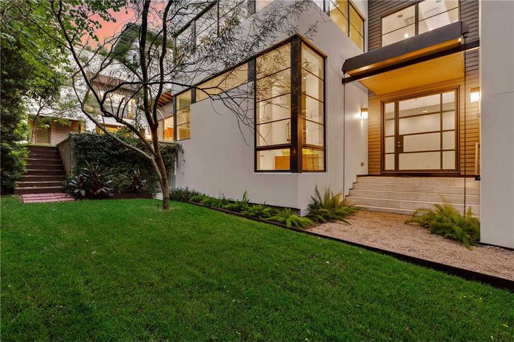 $1,799,500 - 4Br/4Ba -  for Sale in Travis Heights, Austin