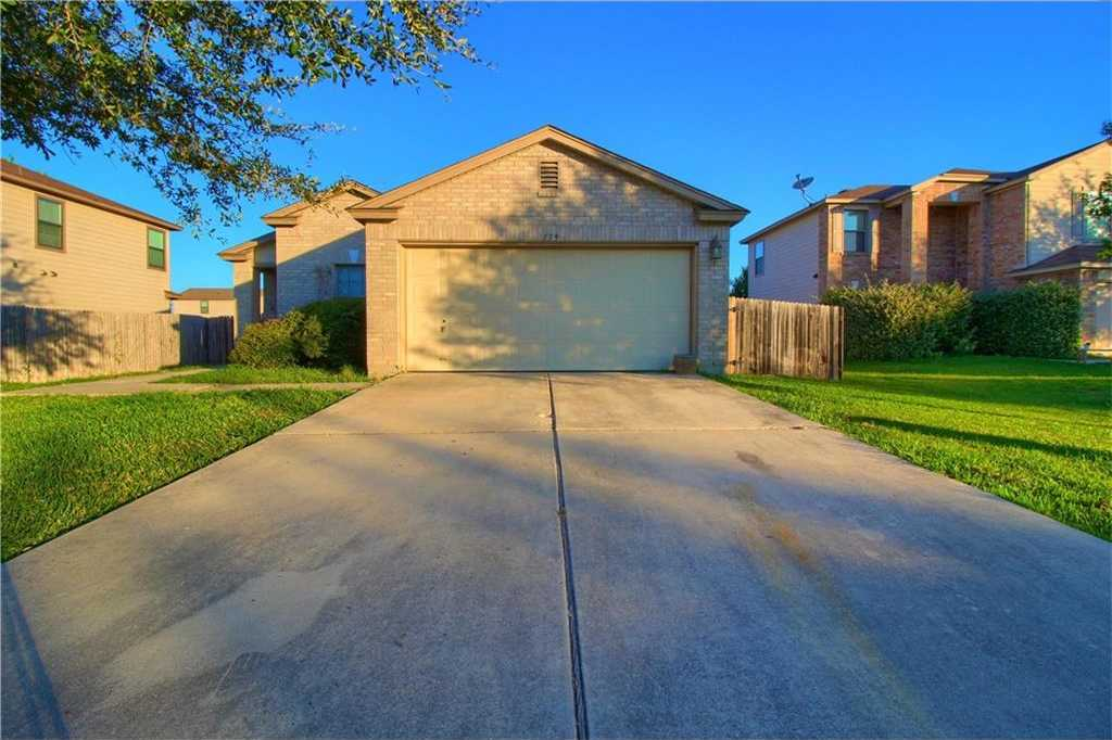 $200,000 - 3Br/2Ba -  for Sale in The Park At Steeplechase, Kyle