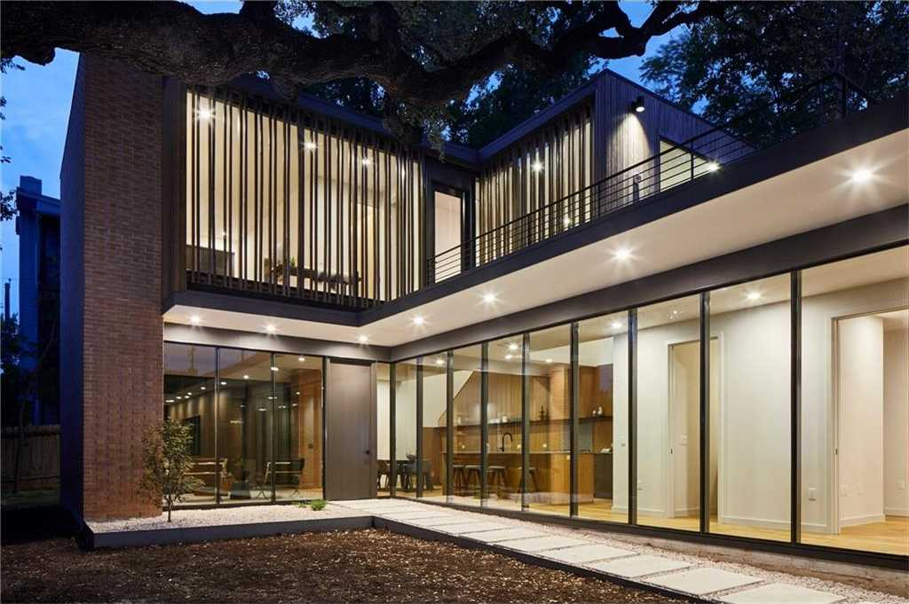 $1,499,000 - 3Br/3Ba -  for Sale in South Heights, Austin
