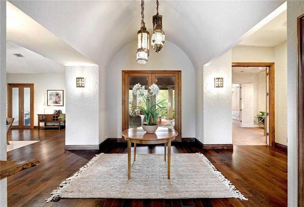 $2,200,000 - 5Br/7Ba -  for Sale in Las Lomas, West Lake Hills