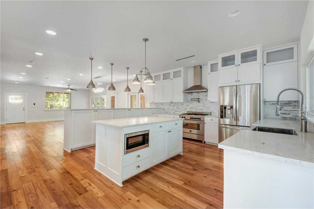 - 4Br/5Ba -  for Sale in Tarry Town 05, Austin