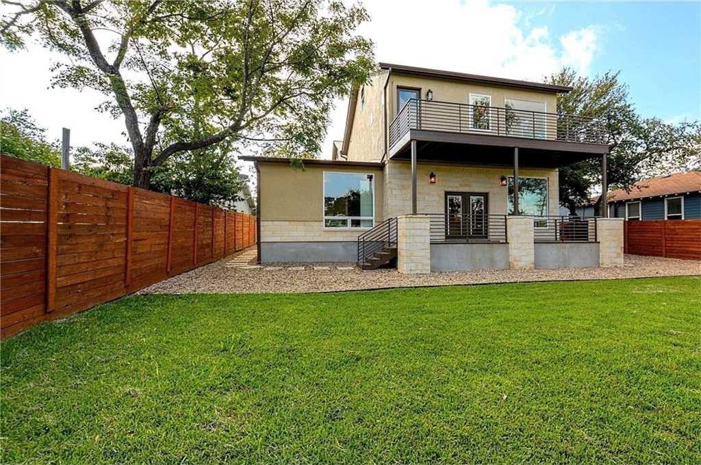 $658,900 - 3Br/3Ba -  for Sale in Black Mckinley, Austin