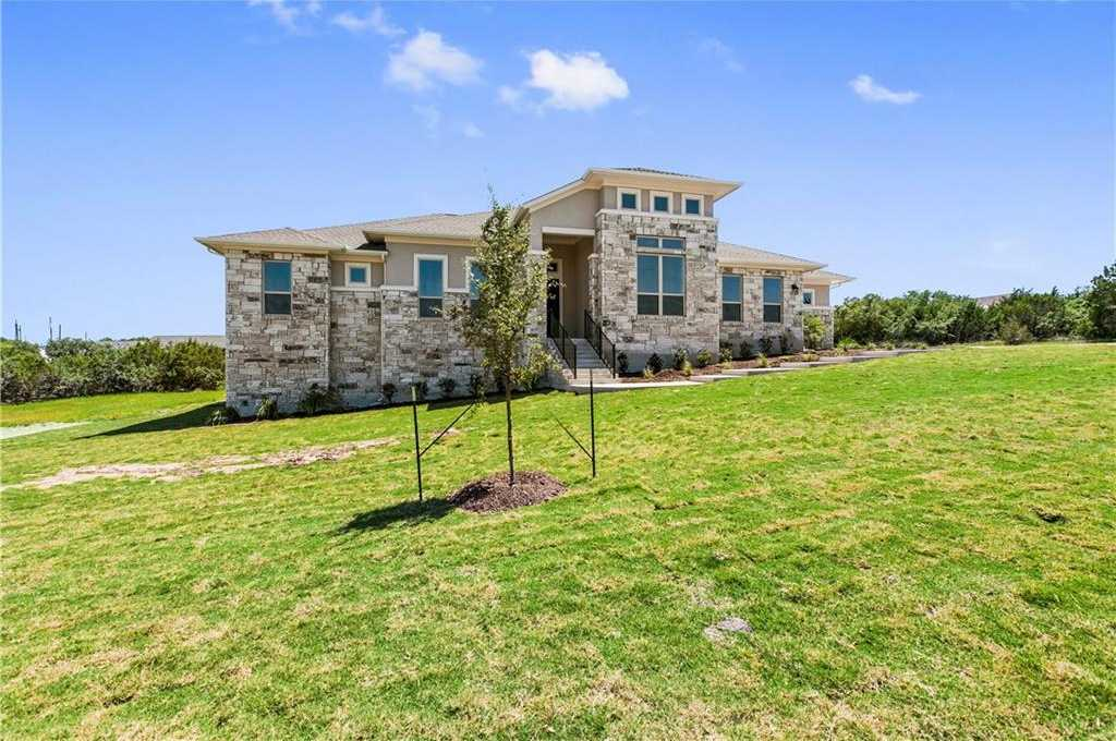 $569,900 - 3Br/3Ba -  for Sale in Vistancia, Dripping Springs