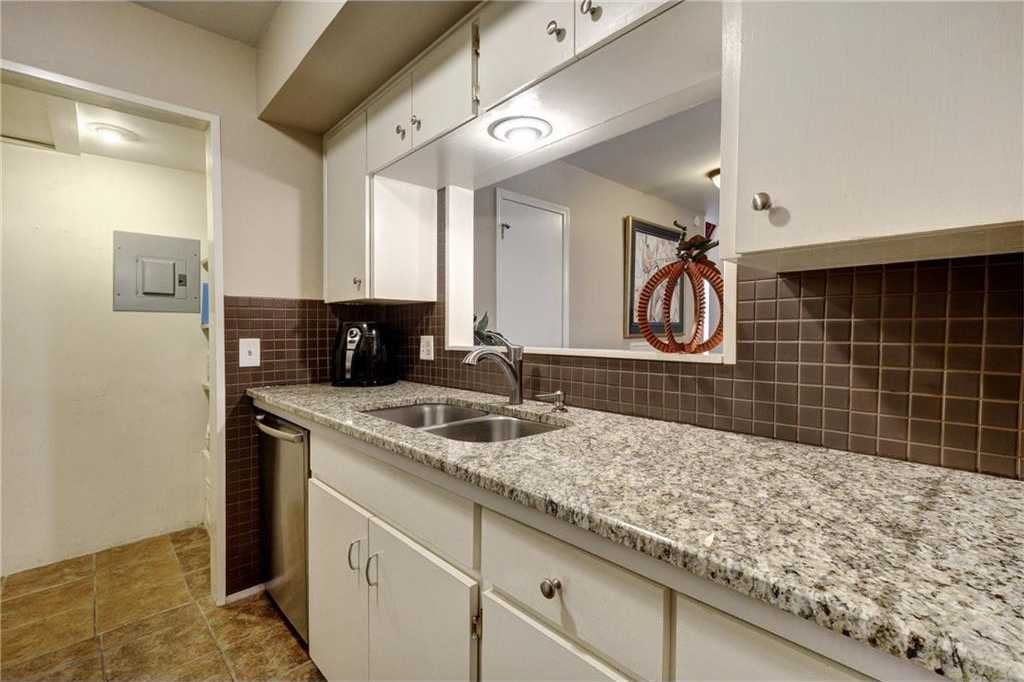 $169,997 - 2Br/2Ba -  for Sale in Valley View Village Condo, Austin