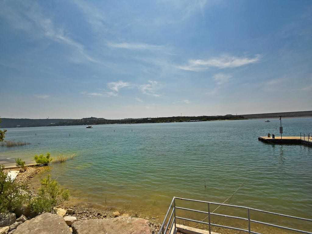 $315,000 - 3Br/2Ba -  for Sale in Lakeside Villas Ii, Austin