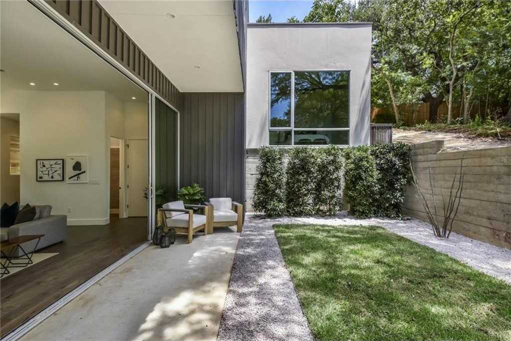 $1,400,000 - 3Br/3Ba -  for Sale in South Heights, Austin