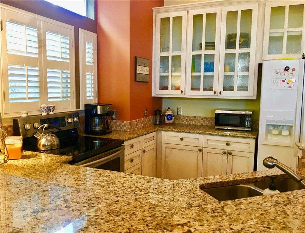 $299,000 - 3Br/3Ba -  for Sale in Villas On Travis Condo Amd, Austin