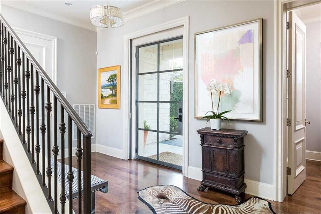 $1,615,000 - 3Br/4Ba -  for Sale in Mont Dale, Austin