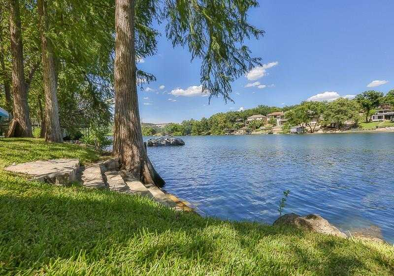 $999,900 - 3Br/2Ba -  for Sale in Apache Shores 01 Instl, Austin