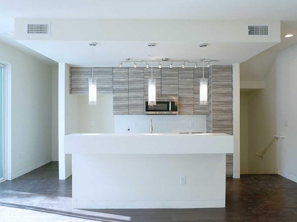 $309,000 - 2Br/3Ba -  for Sale in Skybridge Lofts, Austin