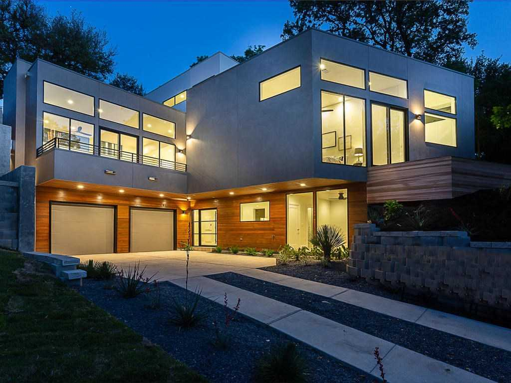 $1,875,000 - 4Br/4Ba -  for Sale in Travis Heights, Austin