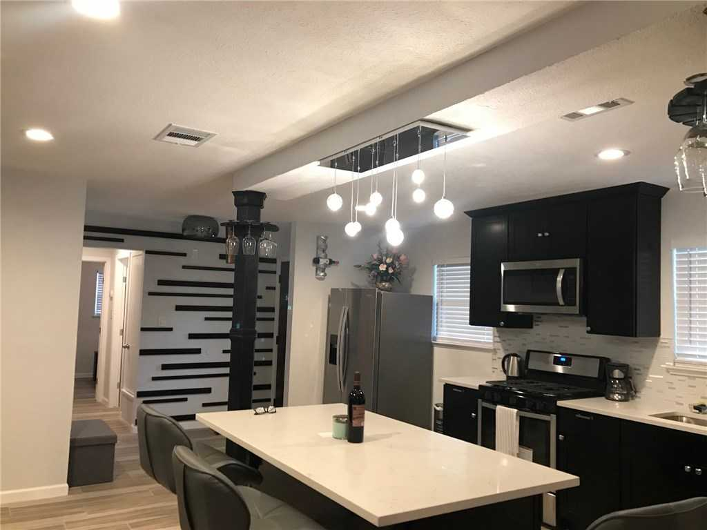 $325,000 - 3Br/2Ba -  for Sale in White Plains Sec 04 Ph 02, Austin