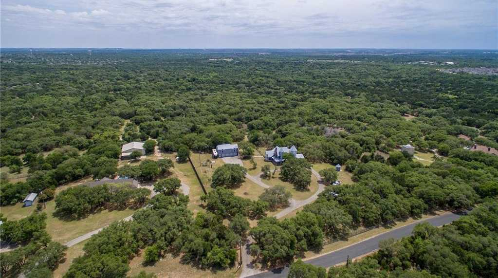 $765,000 - 4Br/3Ba -  for Sale in Whitetail, Georgetown