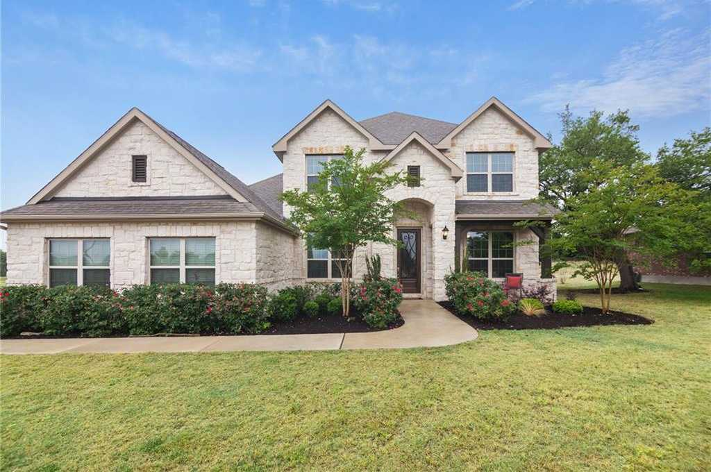 $489,900 - 4Br/3Ba -  for Sale in Rim Rock, Driftwood