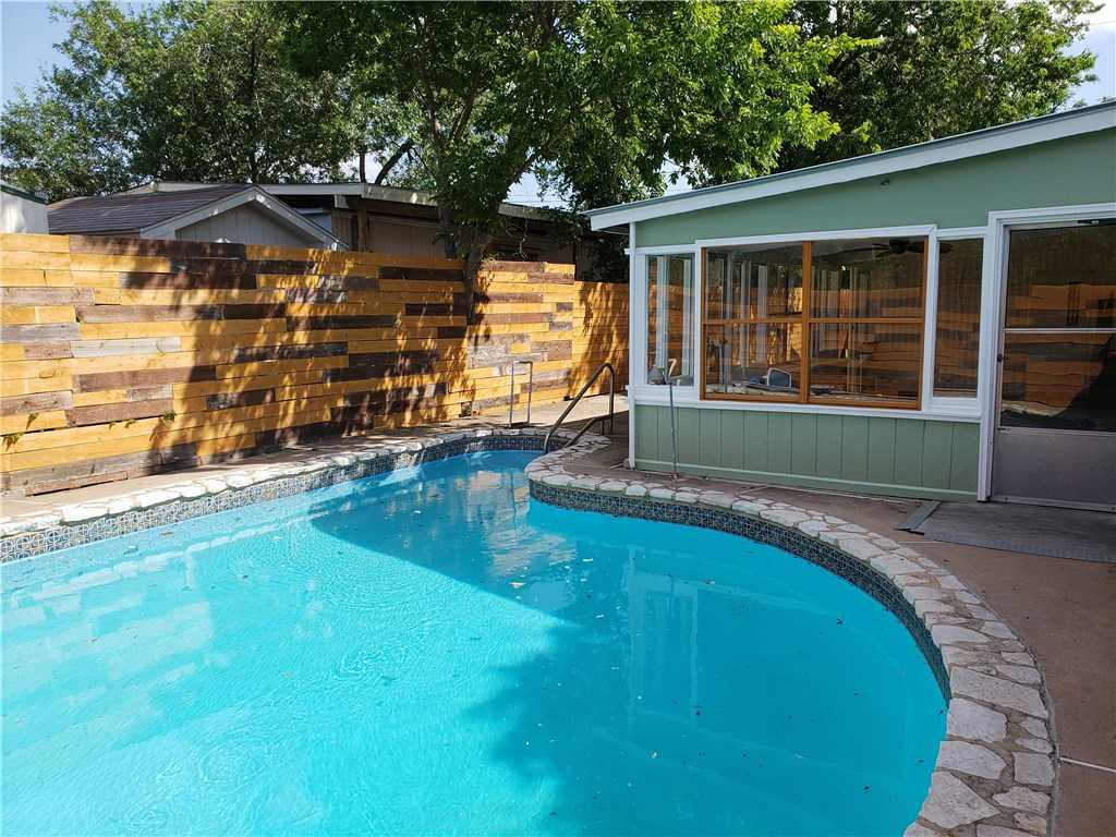 $160,000 - 3Br/3Ba -  for Sale in Southwind Add Sec 01, Austin
