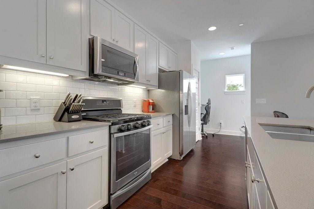$389,000 - 1Br/2Ba -  for Sale in Lincoln Place, Austin