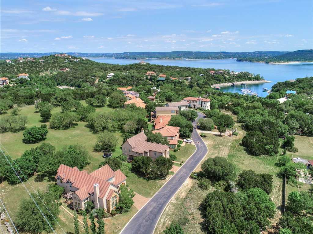 $525,000 - 4Br/4Ba -  for Sale in Villas/commanders Point Condo, Austin