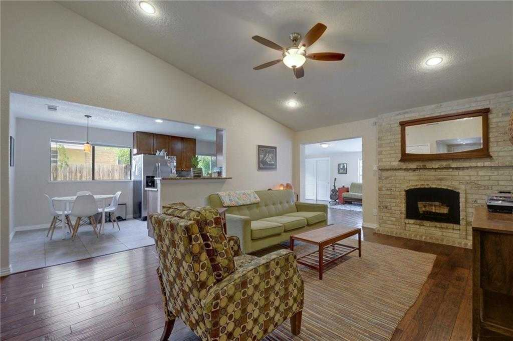$359,900 - 3Br/2Ba -  for Sale in Bluffs University Hills Sec 03, Austin