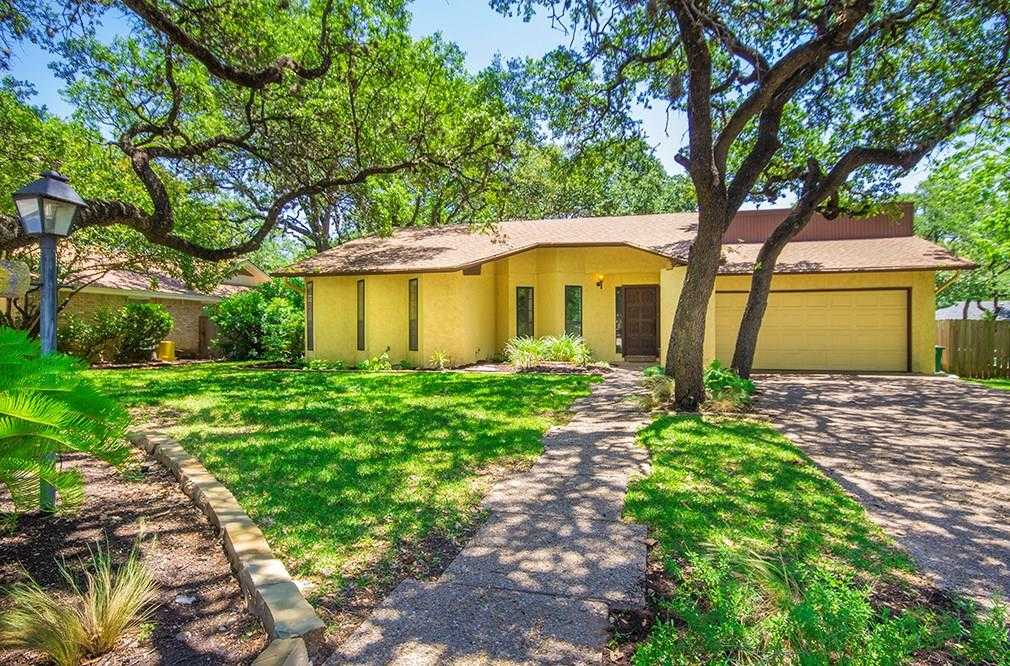 $369,000 - 3Br/2Ba -  for Sale in Oak Forest Sec 02, Austin
