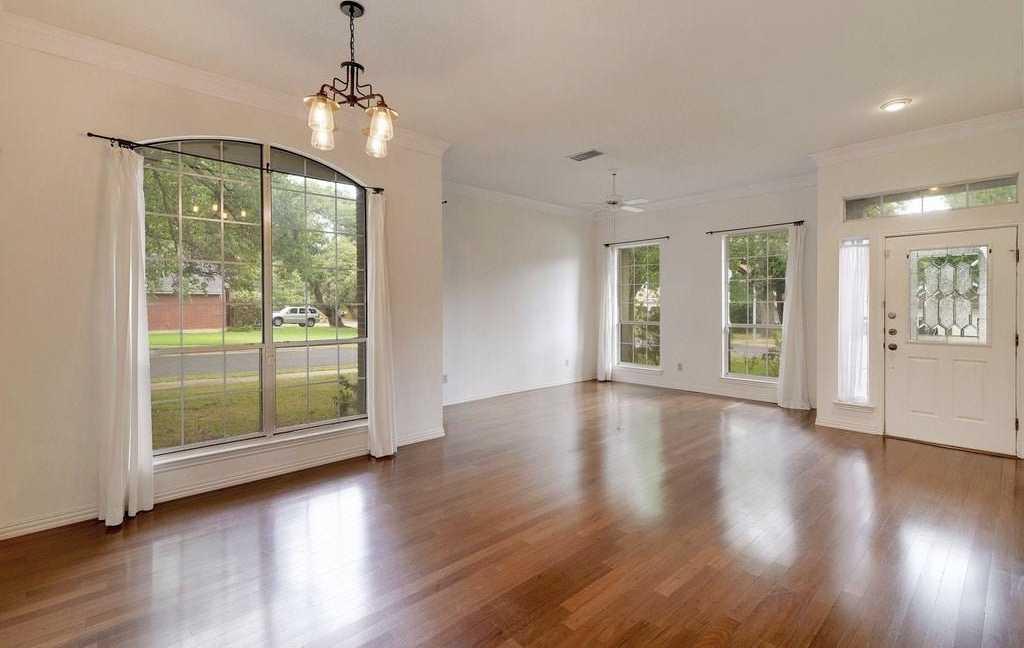 $360,000 - 3Br/2Ba -  for Sale in Legend Oaks Ph A Sec 03b, Austin