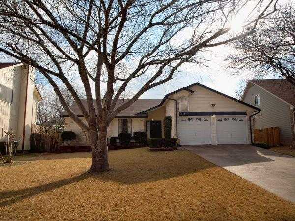 - 3Br/2Ba -  for Sale in Wells Branch Ph G, Austin