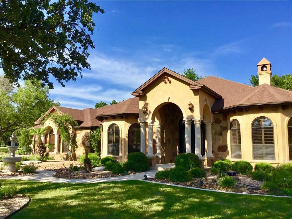 $589,900 - 3Br/3Ba -  for Sale in Oaks Estates Sec 4, Georgetown