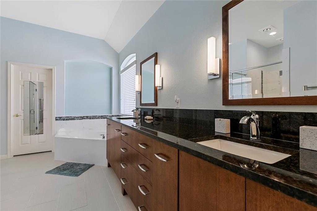 $395,000 - 3Br/3Ba -  for Sale in Belterra Ph 1 Sec 8, Austin