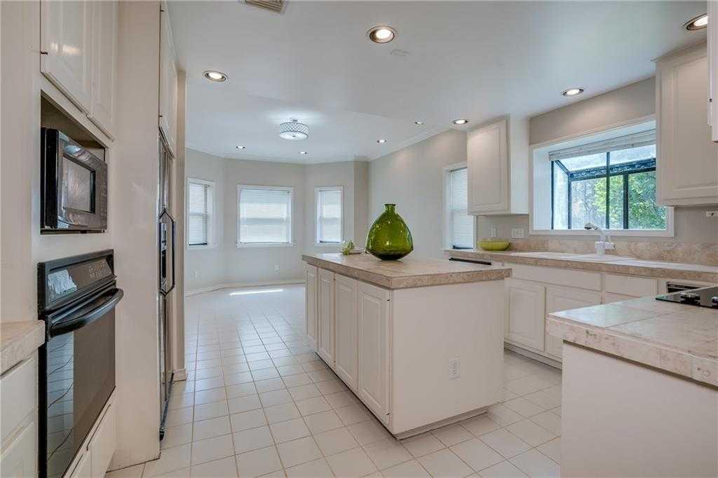 $325,000 - 3Br/3Ba -  for Sale in Oaks Lakeway Condo, Lakeway